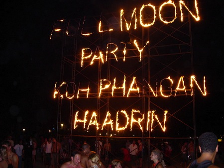 Full moon party in Haadrin